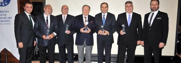TÜGİAD' dan 2013 yılına gala yemekli 'elveda' toplantısı