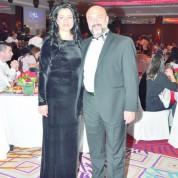 Yalçın Ağaoğlu ve eşi yeni yılı Çelik Palas Otel'de Tuğba Yurt'un şarkılarıyla karşıladı