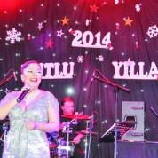 Yılbaşında tercihini Crowne Plaza Otel'den yana kulllanan Bursalılar ise yeni yıla ünlü şarkıcı İzel'le girdi.