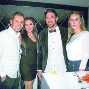 Özlem ve Ömer Kumova ile Ömer Erdoğan ve eşi Pelin Erdoğan da yeni yılı karşılamak için Halam'ı tercih etti.