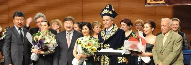 Karagandı Senfoni Orkestrası'ndan muhteşem konser