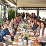DoubleU Cafe'de 8 Mart Dünya Kadınlar Günü dolayısıyla düzenledikleri kahvaltıda bir araya gelen hanımlar renkli anlar yaşadı.