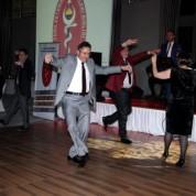 Konuklar gecede gönüllerince dans ettiler 3