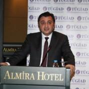 TÜGİAD Bursa Şubesi Başkanı Baran Çelik toplantının açılış konuşmasını yaptı