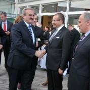 Bursa Valisi Münir Karaloğlu, davete onur konuğu olarak katıldı.