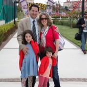 CHP Bursa Milletvekili Aykan Erdemir davete eşi Tuğba Tanyeri ile çocukları Ebru Duru ve Çiğdem Papatya ile birlikte katıldı.