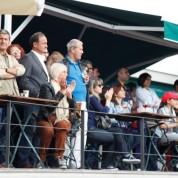 Seçkin davetli topluluğu gösteri maçını ilgiyle izledi.