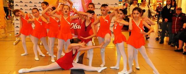 Modern Emine Örneklilerden dans günü