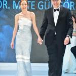 DEFILE Zeynep Gungor_Prof Dr Mete Gungor (1)