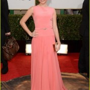 sarah-hyland-ariel-winter-golden-globes-2014-red-carpet-01