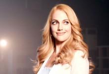Meryem Uzerli'nin yeni reklamında şarkı sürprizi