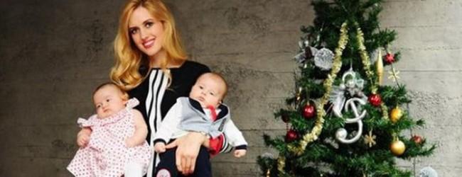 Wilma Elles bebekleriyle kamera karşısına geçti