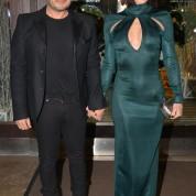 'Yılın kadın müzik starı' ödülüne layık görülen Gülşen, geceye aranjör sevgilisi Ozan Çolakoğlu'yla el ele katıldı.