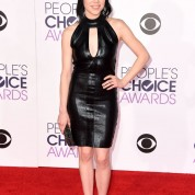 carly-rae-jepsen-2016-people-s-choice-awards-in-microsoft-theater-in-los-angeles-4