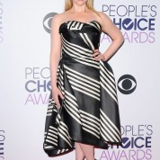 melissa-rauch-2016-people-s-choice-awards-in-microsoft-theater-in-los-angeles-4