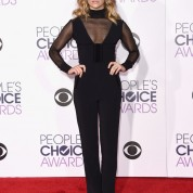 natalie-dormer-2016-people-s-choice-awards-in-microsoft-theater-in-los-angeles-5