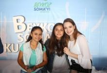 Güzel oyuncu Miray Daner Somalı çocuklarla buluştu…