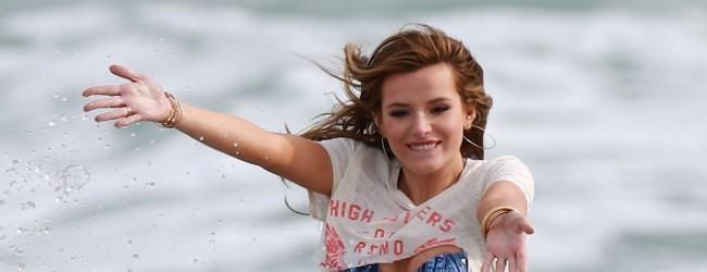 Bella Thorne California sahillerinde