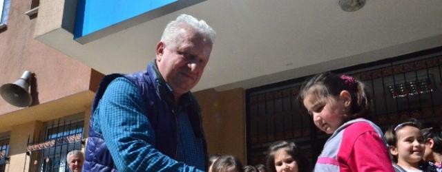 """Murat Boz'un Babası Cafer Boz: """"Torun Görmek İçin Çatlıyorum"""""""