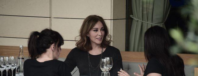 Zerrin Tekindor dostlarıyla Akmerkez'de keyifli bir gün geçirdi