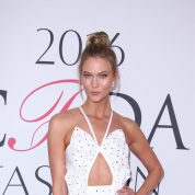 karlie-kloss-cfda-fashion-awards-in-hammerstein-ballroom-new-york-city-6-6-2016-2