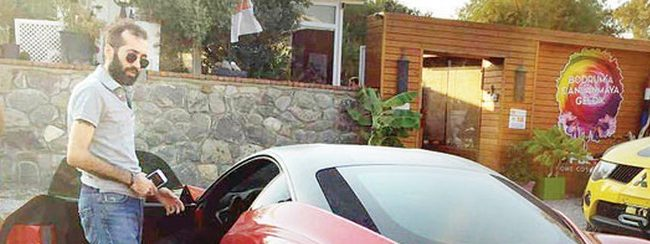 Cengiz Çolak Ferrari'sini geri aldı