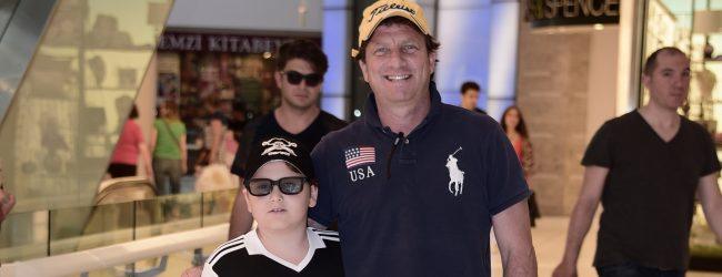 Baba ve oğlun keyifli günü