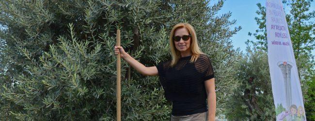 Lara Fabian önce ağaç dikti, sonra sesiyle büyüledi
