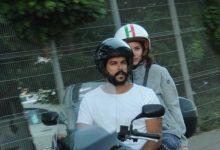 Aşıkların motosiklet keyfi