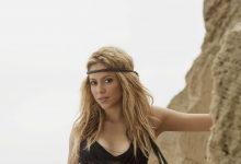 Shakira oldukça farklı bir tarzla geliyor