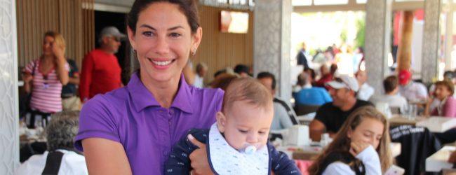 Zeynep Beşerler bebeğiyle beraber yarışlara geldi