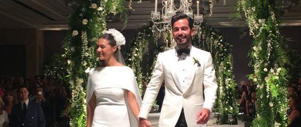 İstanbul'da nikâh Mikonos'ta düğün