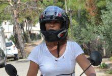 Hülya Avşar Ayvalık'ı motosikletle dolaşıyor