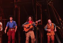 'Cirque Eloize Saloon' Vahşi Batı'yı EXPO 2016'ya getirdi