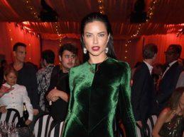 Adriana'nın Angelina pozu