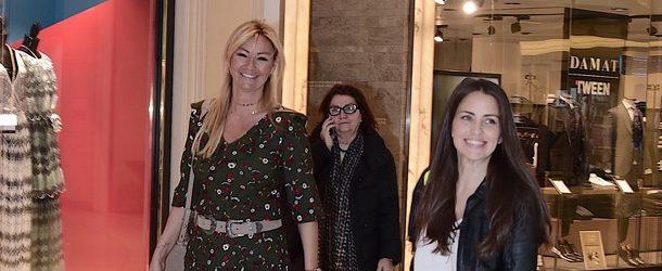 Pınar Altuğ Atacan ve Aslı Tandoğan gezmelerde