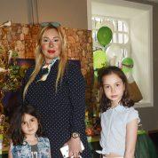 Melisa,Serap, Lara Sarı
