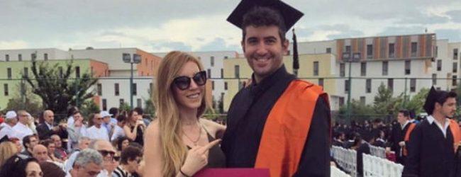 Kerem Kobal'dan mezuniyet pozu
