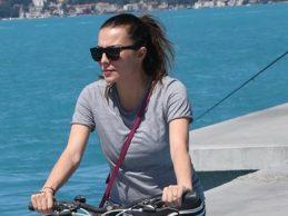 Burcu Kara, formunu bisikletle koruyor!