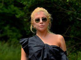Lady Gaga'nın siyah şıklığı!