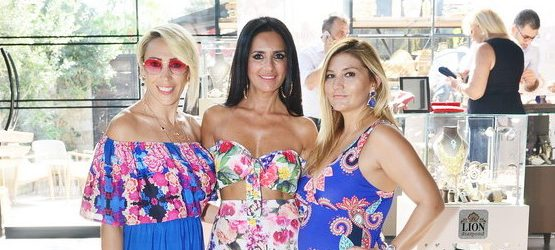 "ÇEŞME ALAÇATI'DA ""NEW SUMMER COLLECTİON"" DAVETİ"