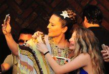 Demet Akalın ile Selfie Çılgınlığı