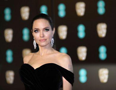 BAFTA kırmızı halı töreninde şıklık yarışı