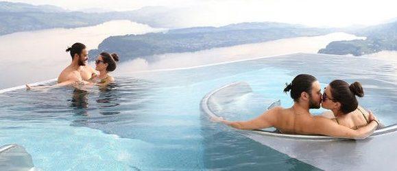 Sıcak havuzda romantizm!