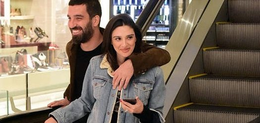 Arda ile eşi Aslıhan Turan'ın keyfi yerinde