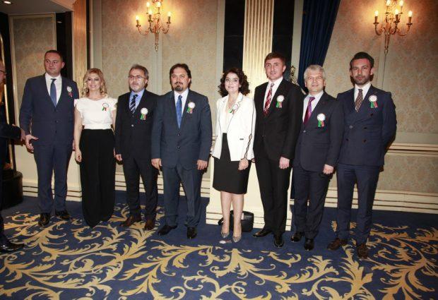 Bursa Barosu Avukatlar gününü kutladı
