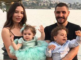 Özer Hurmacı, eşi ve çocuklarıyla birlikte Bodrum'da