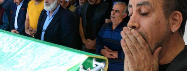 Haluk Levent, annesini son yolculuğuna uğurladı